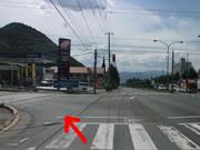 国道286号線を「山形市内方面」へ500mほど進み、交差点を左折してください。